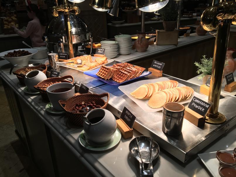 ארוחת בוקר מלון אליסיום