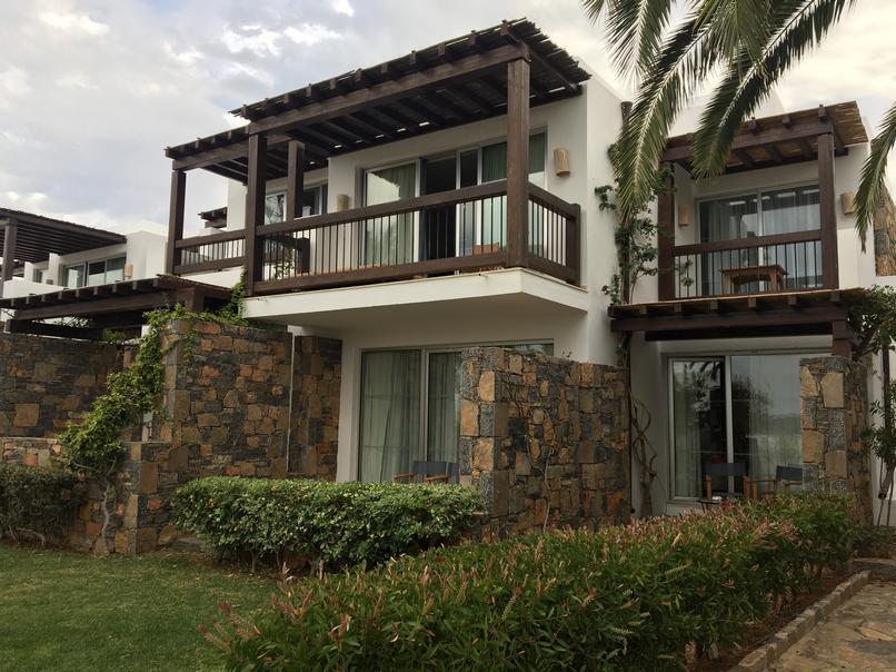 חדרי בונגלוס במלון